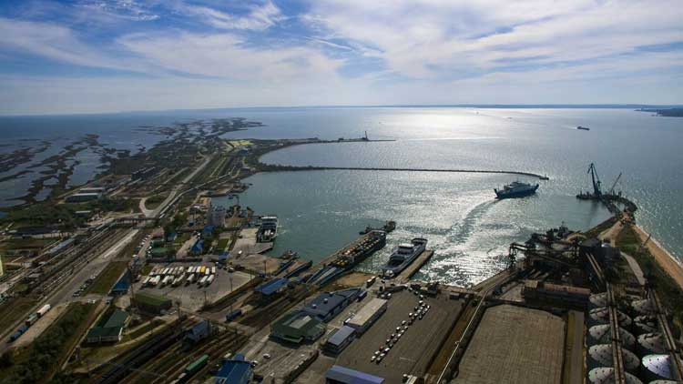 Панорама порта Порт-Кавказ
